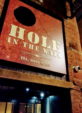 the-hole-in-the-wall-5