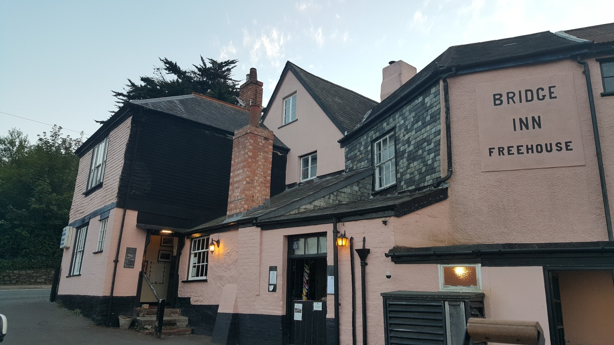Beer and Burger Bonanza at The Bridge Inn, Topsham – by Lauren Heath